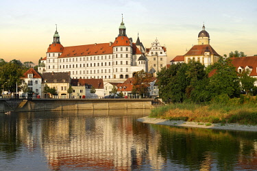 IBXDWB04211296 Schloss Neuburg, castle, Neuburg an der Donau, Upper Bavaria, Bavaria, Germany, Europe