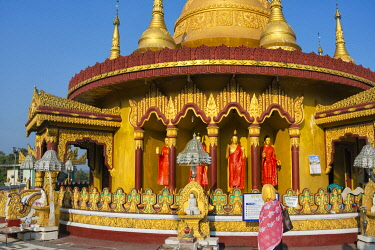 AS03KSU0144 Golden Temple, the largest Theravada Buddhist temple in Bangladesh and has the country's second largest Buddha statue, Bandarban, Chittagong Division, Bangladesh