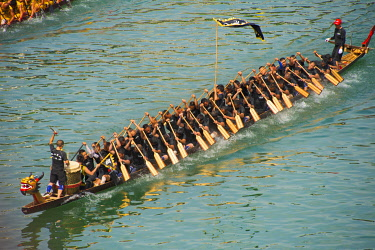 AS07KSU2716 Dragon Boat race on Wuyang River during Duanwu Festival, Zhenyuan, Guizhou Province, China.