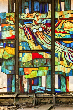 AS43EWI0082 Ukraine, Pripyat, Chernobyl. Stained glass windows in Cafe Pripyat, 'the Dish'