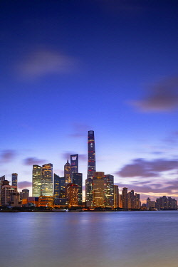 CH12321AW Skyline of Pudong at dawn, Shanghai, China