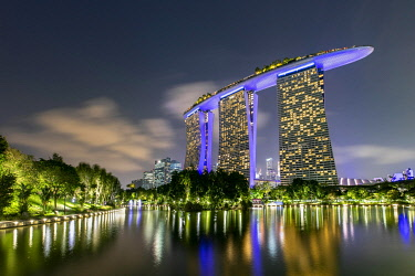 IBLROH05101633 Marina Bay Sands Hotel at dusk, Marina Bay, Downtown Core, Singapore, Asia