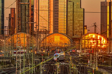 IBXCAG05109458 Sunset is reflected in the central station, Gutleutviertel, Frankfurt, Hesse, Germany, Europe