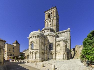 IBXHAN05094327 Saint Pierre Church, Chauvigny, Vienne Department, France, Europe