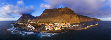 IBXMAN05101642 Panorama in the evening light, Vueltas with harbour, Valle Gran Rey, aerial view, La Gomera, Canary Islands, Spain, Europe