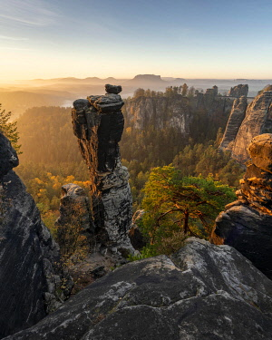 IBXRBE05105971 Bastion view with Wehlnadel, Elbe Sandstone Mountains, Saxon Switzerland, Germany, Europe