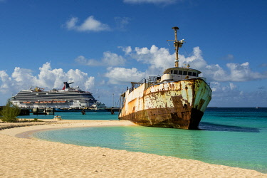 CA46MDE0048 Mega One Triton shipwreck, Governor's Beach, Grand Turk Island, Turks and Caicos Islands, Caribbean.