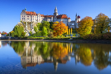 GER12047AW Sigmaringen Castle in Autumn, Baden-Wurttemberg, Germany