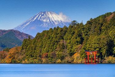 JAP2387AW Mount Fuji & Lake Ashino-ko, Hakone, Fuji-Hakone-Izu National Park, Japan