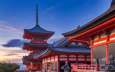 JAP2398AW Sanjunoto pagoda of Kiyomizu-dera  Temple, Higashiyama, Kyoto, Japan