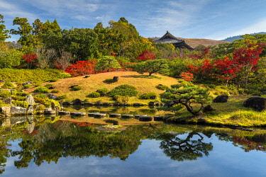 JAP2447AW Jardin Isuien in Autumn, Nara, Kansai, Japan