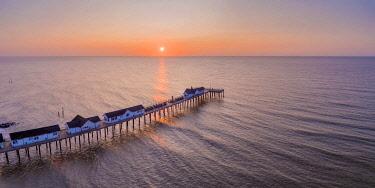 UK08791 UK, England, Suffolk, Southwold, Southwold Pier at sunrise