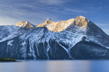 CN01AMA0003 Canada, Alberta. Sunrise over Mount Sarrail and Mount Foch Kananaskis Lake, Peter Lougheed Provincial Park