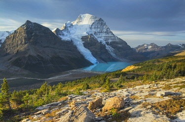 CN02AMA0026 Canada, British Columbia. Mount Robson, highest mountain in the Canadian Rockies, elevation 3,954 �m (12,972 �ft), seen from Mumm Basin, Mount Robson Provincial Park.