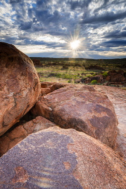AUS4102AW Devils Marbles Conservation Reserve, Karlu Karlu, Central Australia, Northern Territory, Australia