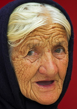 EU44KSU0117 Old woman, Banja Luka, Bosnia.