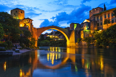 EU44KSU0125 Night view of Stari Most (Old Bridge) over Neretva River (UNESCO World Heritage Site) Mostar, Bosnia.