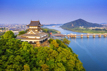 JAP2539 Japan, Honshu, Aichi Prefecture, Inuyama Castle overlooking Kiso River, one of only 12 original Japanese castles