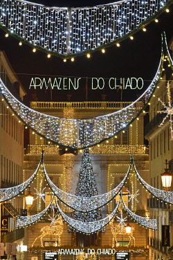 POR10895AW Chiado street in the Baixa old town district adorned with Christmas lights. Lisbon, Portugal