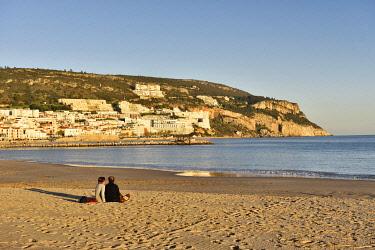 POR10896AW Sesimbra beach. Portugal