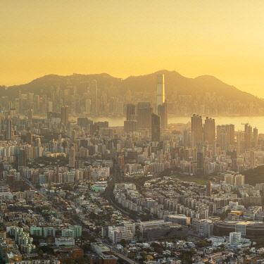 CH12375AW Kowloon and Hong Kong Island at sunset, Hong Kong