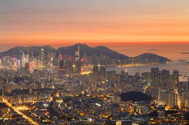CH12381AW Kowloon and Hong Kong Island at sunset, Hong Kong