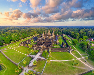 CM02269 Cambodia, Siem Reap, aerial view of Angkor Wat Complex (Unesco Site)