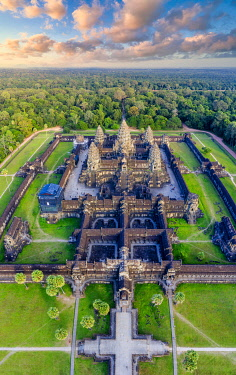 CM02270 Cambodia, Siem Reap, aerial view of Angkor Wat Complex (Unesco Site)