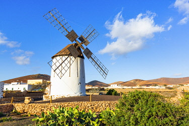 ES261RF Spain, Canary Islands, Fuerteventura, Tiscamanita, traditional windmill