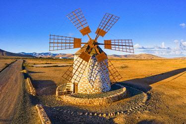 ES09774 Spain, Canary Islands, Fuerteventura, Molino de Tefia, traditional windmill in Tefia