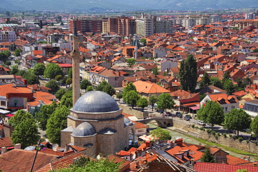 EU48KSU0024 Sinan Pasha Mosque and red roof houses in the old town, new town in the distance, Prizren, Kosovo