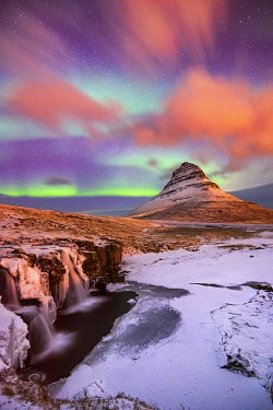 ICE4235AW Aurora Borealis over Kirkjufell Waterfall, Snaefellsnes National Park, Snaefellsnes Peninsula, Iceland, Europe