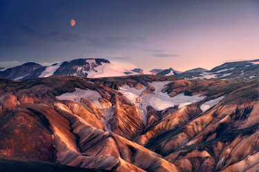 ICE42314AW Rising moon over the Landmannalaugar hills, Highlands of Iceland