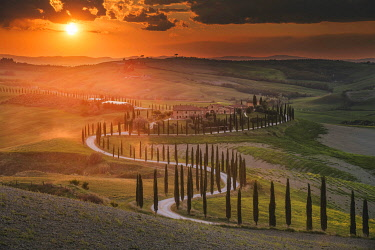 ITA15287AW Podere Baccoleno during a spring sunset, Tuscany, Italy