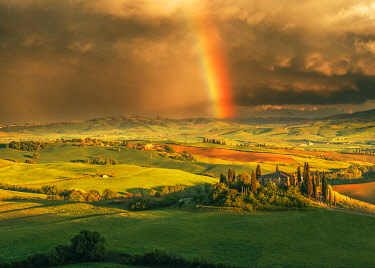 ITA15316AW Podere Belvedere after a storm with rainbow, Val d'Orcia, Tuscany, Italy