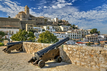 SPA9757AW Cathedral and old town skyline, Dalt Vila, Ibiza, Balearic Islands, Spain