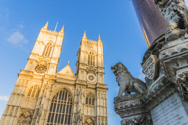ENG16662AWRF Westminster Abbey a UNESCO World heritage site and The Westminster Scholars War Memorial, also known as the Crimea and Indian Mutiny Memorial, London, England