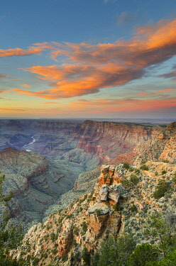 US03AMA0021 USA, Arizona. Sunset over Navajo Point, Grand Canyon National Park.