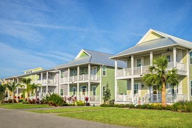 US10LEN1111 USA, Florida, New Smyrna Beach. Charming beach houses.