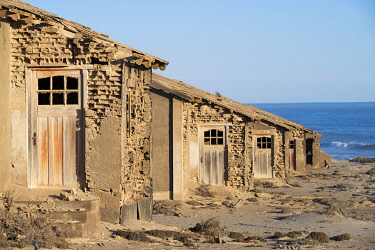 IBLOGE04952495 Abandoned houses, ghost town Elizabeth Bay, restricted area national park, also Tsau Khaeb national park, Namibia, Africa