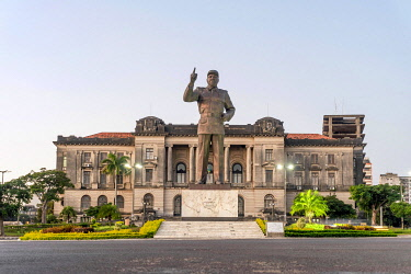 IBXJAS05121234 Independence square with Samora Machel statue and city hall in Maputo, Mozambique, Africa