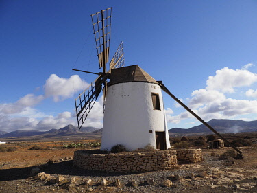 IBXYUC05124507 Windmill, Fuerteventura, Canary Islands, Spain, Europe