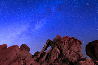 USA15362AW Milky way above Elephant rock formation, Valley of Fire State Park, Nevada, Western United States, USA