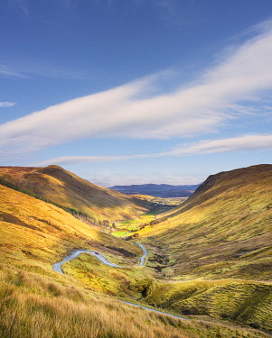 IRL1131AW Ireland, Co.Donegal, Ardara, Glengesh pass, winding road through mountainous landscape