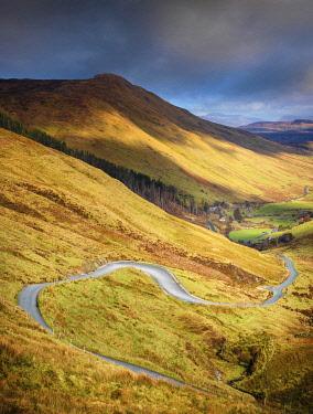 IRL1133AW Ireland, Co.Donegal, Ardara, Glengesh pass, winding road through mountainous landscape