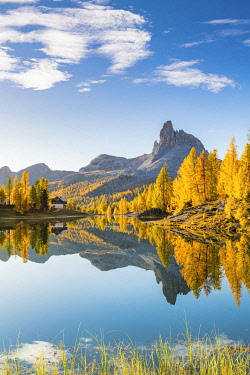 ITA15360AW Early Morning at Lake Federa in Autumn, Cortina d�Ampezzo, Veneto, Italy.