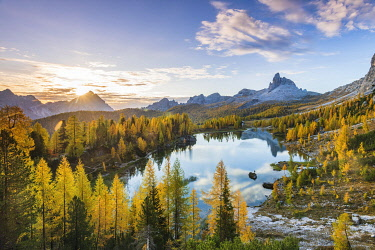 ITA15363AW Sunrise at Lake Federa in Autumn, Cortina d�Ampezzo, Veneto, Italy.