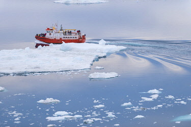 GRN1439 Tour boat sailing into the Kangia Ice fiord