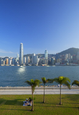 CH12403AW Skyline of Hong Kong Island from West Kowloon Art Park, Kowloon, Hong Kong