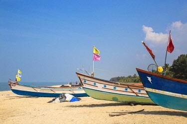 IN439RF India, Kerala, Alleppey - Alappuzha,  Fishing boats on Marari Beach